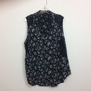 Jessica Simpson Sleeveless Button Up Blouse